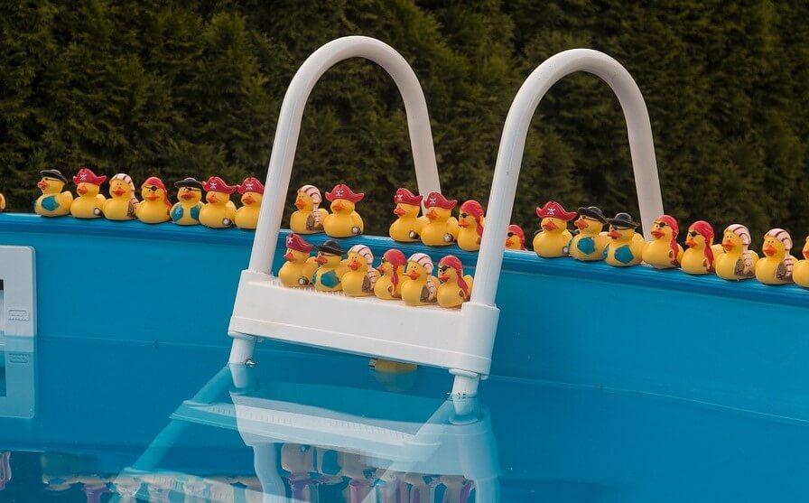 C mo llevar a cabo la limpieza de piscinas desmontables - Piscinas pequenas precios ...