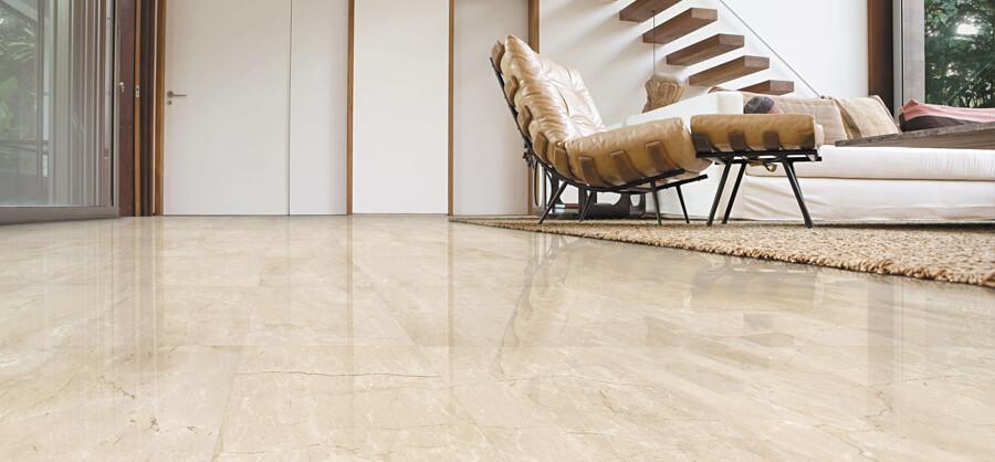 Mantenimiento y limpieza de bancos y oficinas bancarias - Pulir el suelo ...
