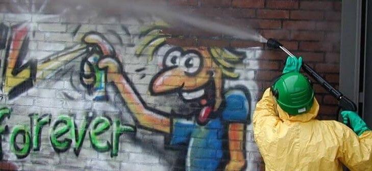 limpiar paredes con graffitis