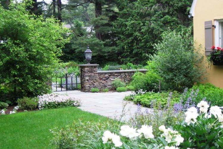 Empresas de jardiner a en madrid gama de servicios for Empresas de jardineria valencia