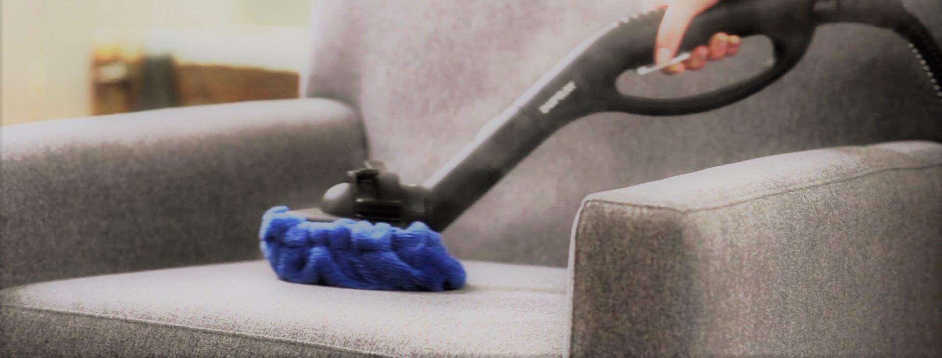Limpieza de sof s c mo hacerla de forma correcta trucos for Como limpiar sofa de tela muy sucio