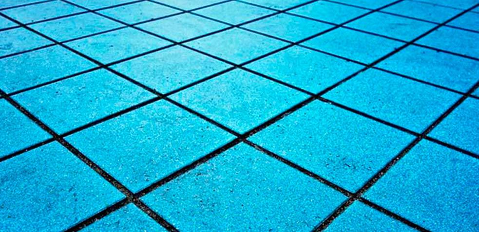 Limpiar-juntas-de-azulejos-ennegrecidas