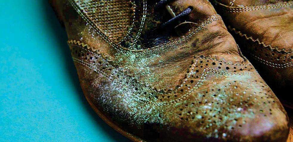 quitar-manchas-en-zapatos-de-piel